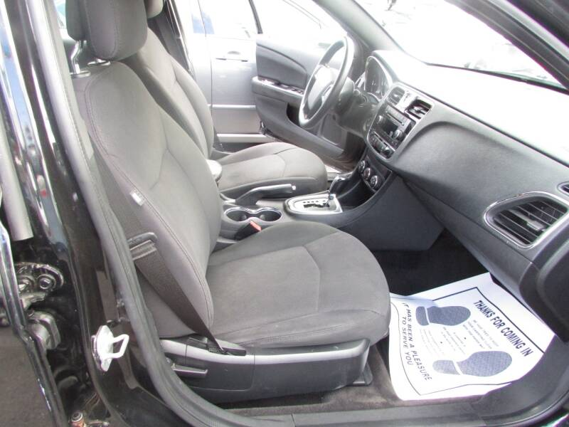 2012 Chrysler 200 LX 4dr Sedan - Linden NJ