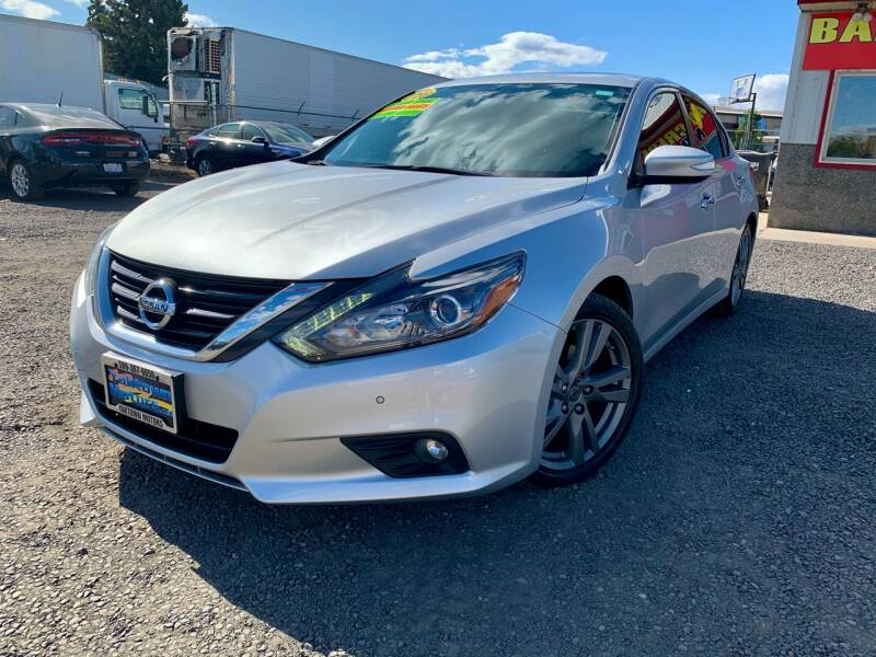 2016 Nissan Altima for sale at Yaktown Motors in Union Gap WA
