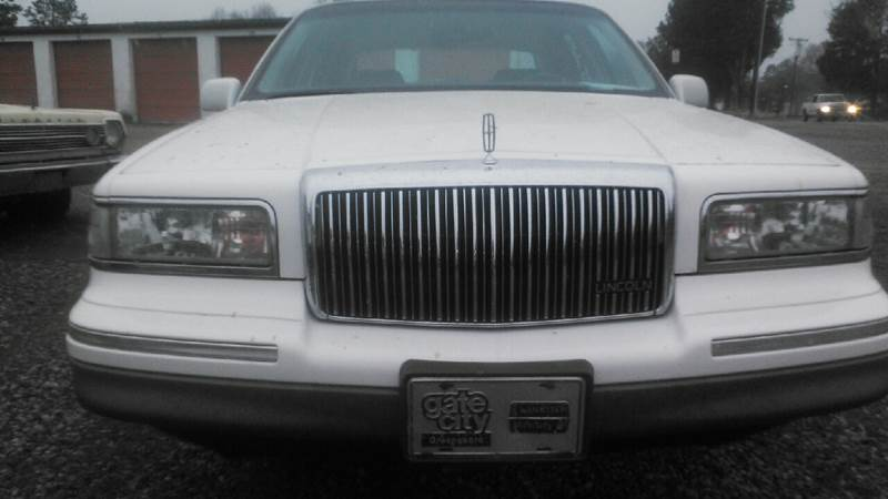 1997 Lincoln Town Car for sale at Billy's Auto Sales in Winston Salem NC