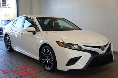 2018 Toyota Camry Hybrid for sale in Springfield, MI