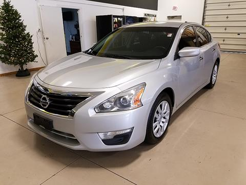 Nissan altima for sale in north canton oh for Royal family motors canton