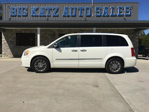 2011 Chrysler Town and Country for sale in Irvine, KY