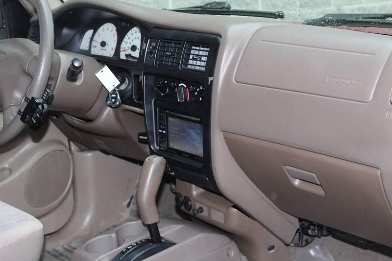 2004 Toyota Tacoma 2dr Xtracab PreRunner V6 Rwd SB - Addison IL