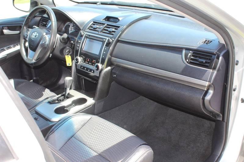2013 Toyota Camry SE 4dr Sedan - Addison IL