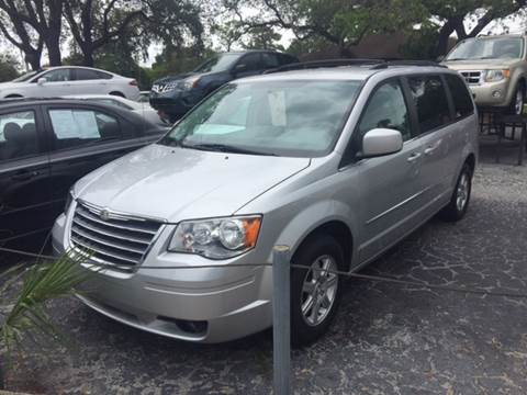 2010 Chrysler Town and Country for sale in Saint Petersburg, FL