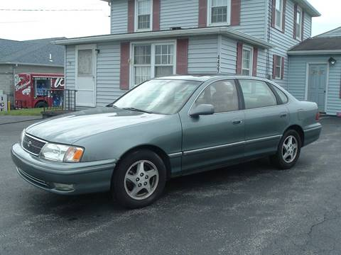 1998 Toyota Avalon for sale at Ray's Auto Sales in Canfield OH