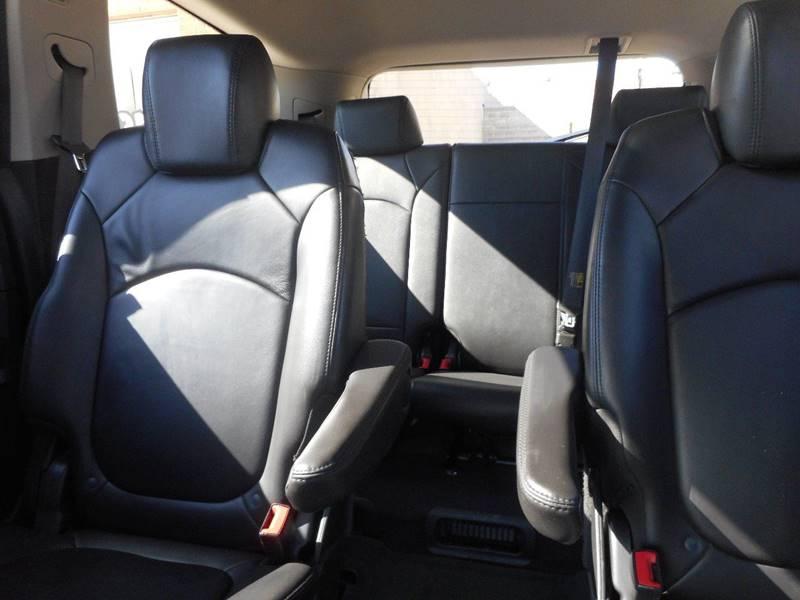 2010 Chevrolet Traverse AWD LT 4dr SUV w/2LT - Milford NE