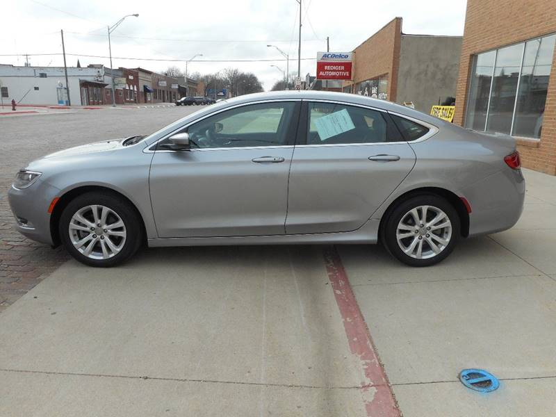 2015 Chrysler 200 Limited 4dr Sedan - Milford NE