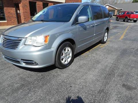 2013 Chrysler Town and Country for sale in Acworth, GA