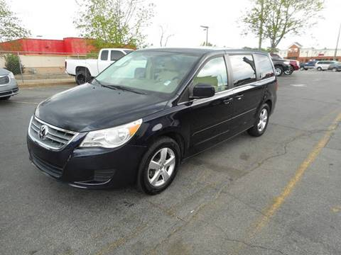 2010 Volkswagen Routan for sale in Acworth, GA