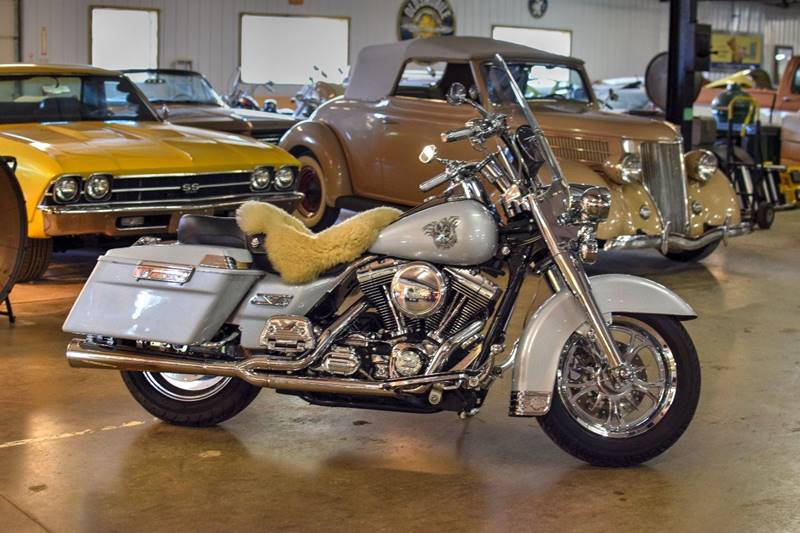 2003 Harley-Davidson Road King Classic for sale at Hooked On Classics in Watertown MN
