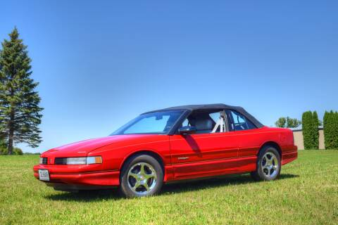 1991 Oldsmobile Cutlass Supreme for sale at Hooked On Classics in Watertown MN