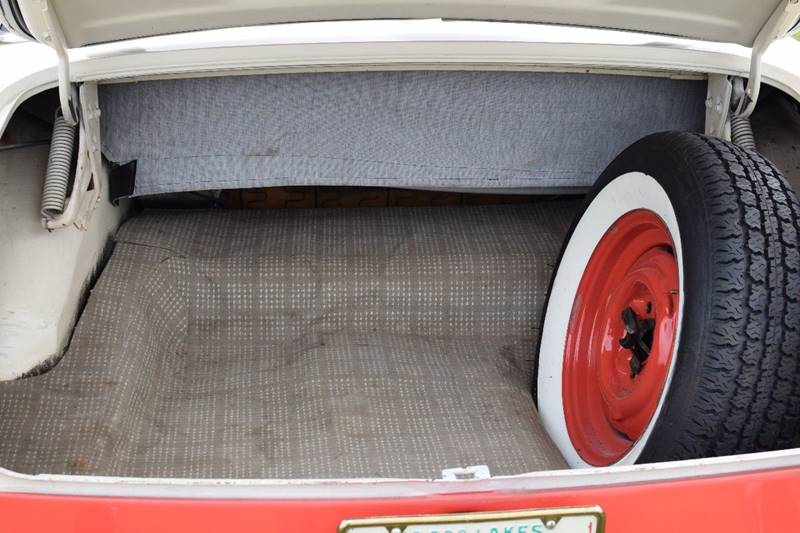 1956 Ford Sunliner  - Watertown MN