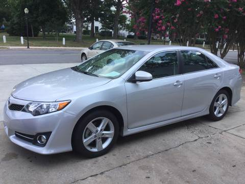 2014 Toyota Camry for sale at ROBINSON AUTO BROKERS in Dallas NC