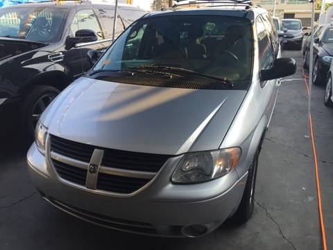2005 Dodge Grand Caravan for sale at California Auto Trading in Bell CA