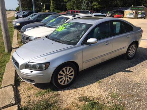 2005 Volvo S40 for sale at Northwoods Auto & Truck Sales in Machesney Park IL