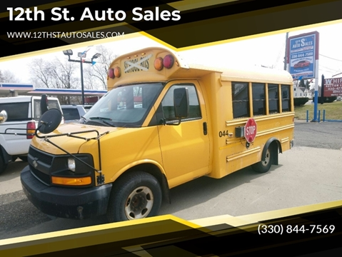 2008 Chevrolet Express Cutaway 3500 for sale at 12th St. Auto Sales in Canton OH