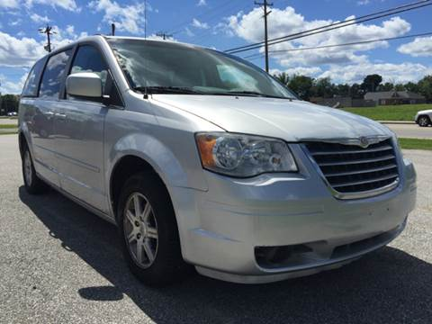 2008 Chrysler Town and Country for sale in Milford, OH