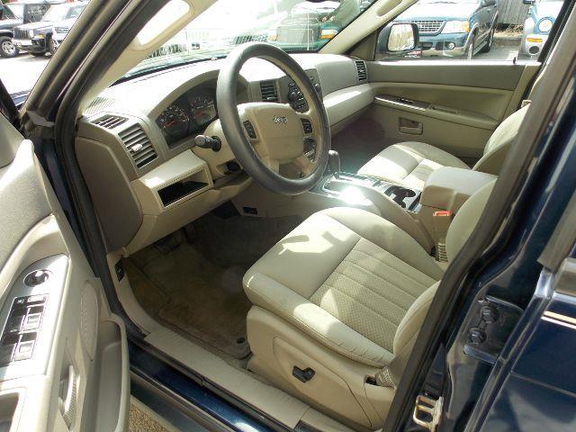 2005 Jeep Grand Cherokee 4dr Laredo 4WD SUV - Newton NJ