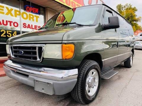 2004 Ford E-Series Wagon for sale at EXPORT AUTO SALES, INC. in Nashville TN