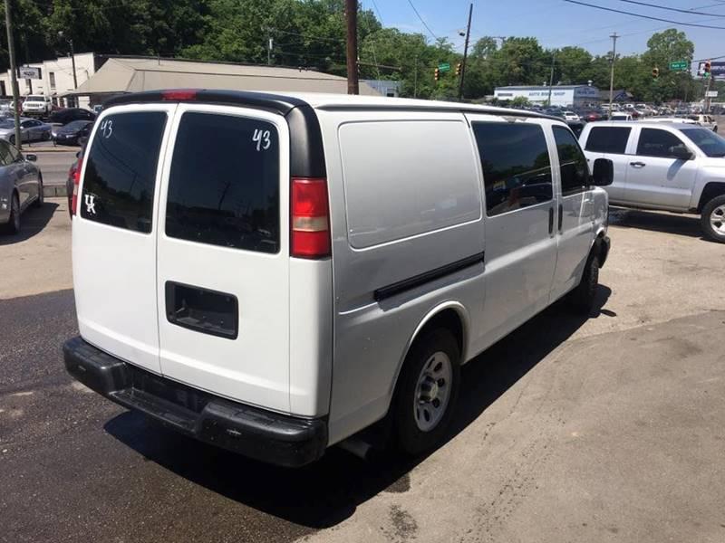 2010 Chevrolet Express Cargo 1500 3dr Cargo Van - Nashville TN