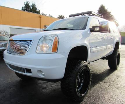 2007 GMC Yukon XL for sale at Platinum Motors in Portland OR