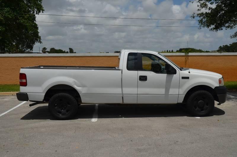 2005 Ford F-150 2dr Standard Cab XL Rwd Styleside 8 ft. LB - Hollywood FL