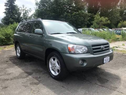 2005 Toyota Highlander for sale at APX Auto Brokers in Lynnwood WA