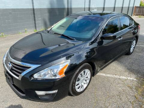2013 Nissan Altima for sale at APX Auto Brokers in Lynnwood WA