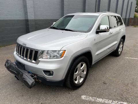 2011 Jeep Grand Cherokee for sale at APX Auto Brokers in Lynnwood WA
