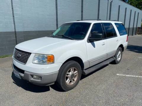 2003 Ford Expedition for sale at APX Auto Brokers in Lynnwood WA
