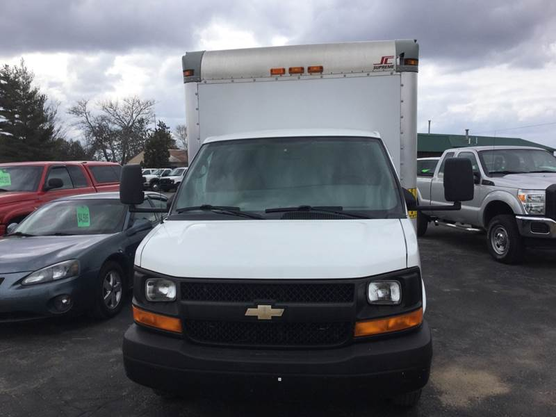 2012 Chevrolet Express Cutaway 3500 2dr Commercial/Cutaway/Chassis 139 in. WB - Traverse City MI