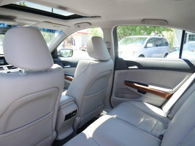 2011 Honda Accord EX-L 4dr Sedan - Menomonie WI