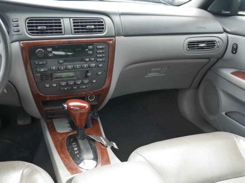 2004 Ford Taurus SEL 4dr Wagon - Menomonie WI