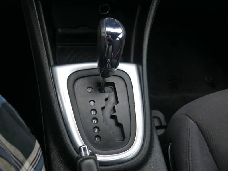 2013 Chrysler 200 LX 4dr Sedan - Menomonie WI
