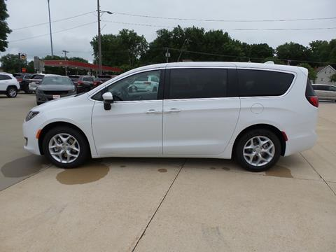 2017 Chrysler Pacifica for sale in Anamosa, IA