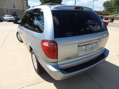 2004 Chrysler Town and Country for sale in Anamosa, IA