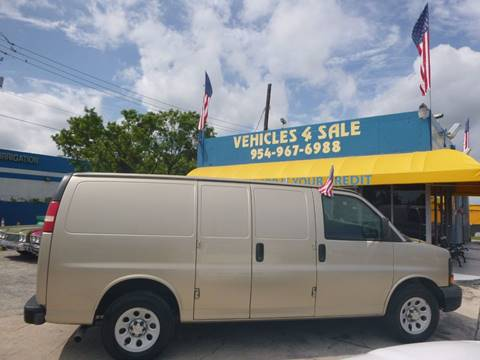 2009 Chevrolet G1500 for sale in Hollywood, FL