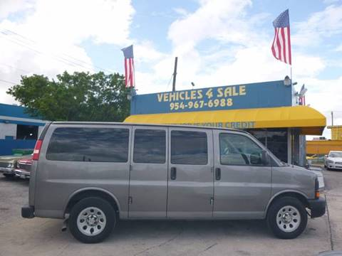 2011 Chevrolet Express Passenger for sale in Hollywood, FL