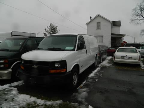 2003 Chevrolet Express Cargo for sale at Auto House Of Fort Wayne in Fort Wayne IN