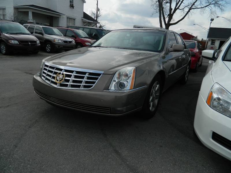 2006 Cadillac DTS for sale at Auto House Of Fort Wayne in Fort Wayne IN
