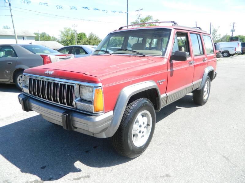 1992 Jeep Cherokee 4dr Laredo 4WD SUV