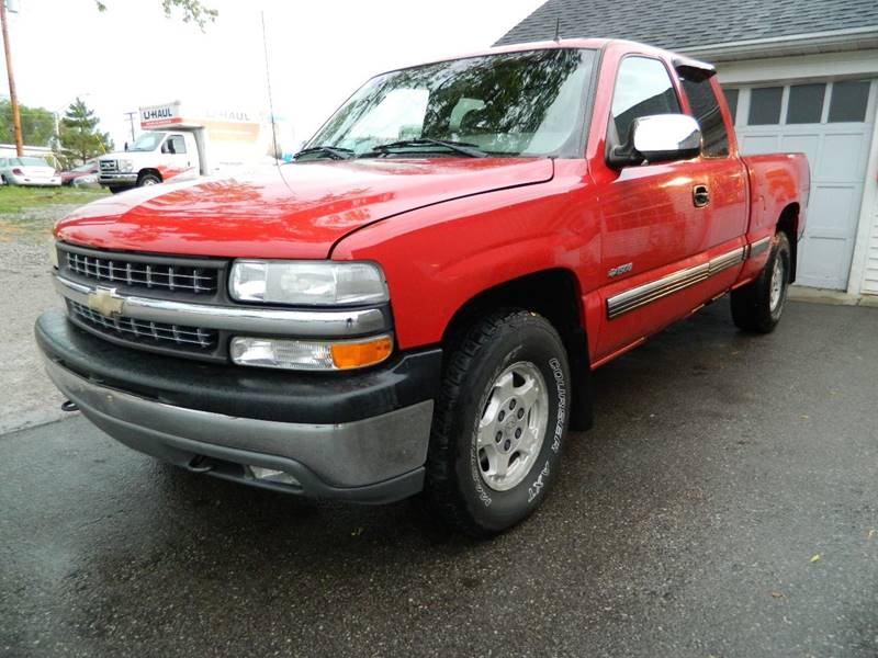 2002 Chevrolet Silverado 1500 for sale at Auto House Of Fort Wayne in Fort Wayne IN