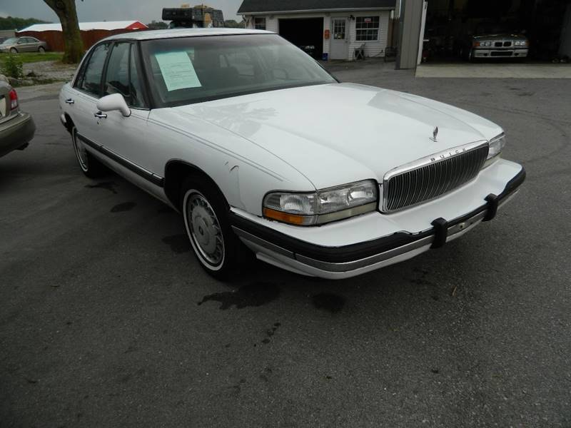 1995 Buick LeSabre for sale at Auto House Of Fort Wayne in Fort Wayne IN