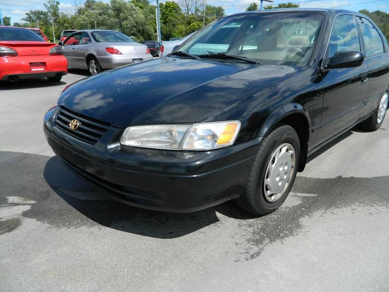 1998 Toyota Camry LE 4dr Sedan - Fort Wayne IN