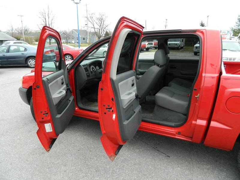 2005 Dodge Dakota 4dr Quad Cab ST 4WD SB - Fort Wayne IN
