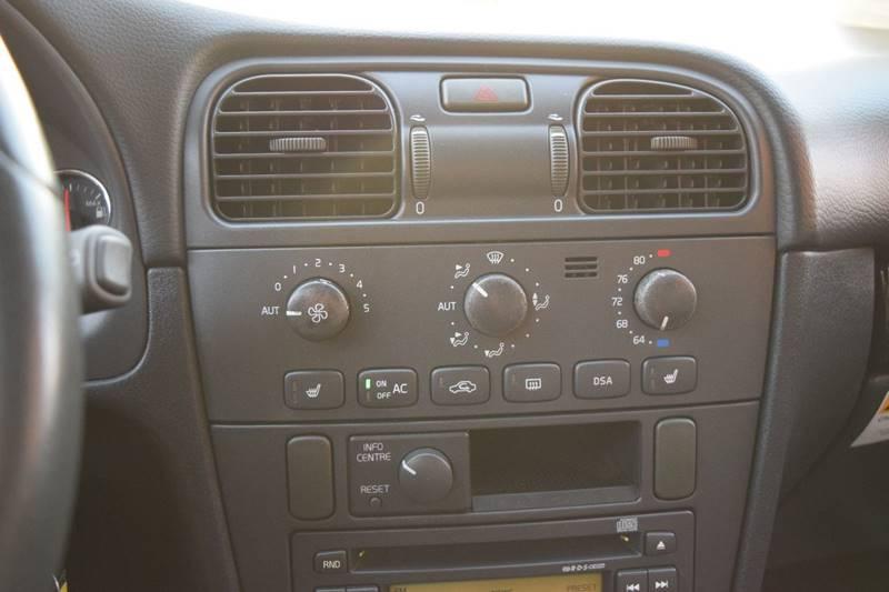 2004 Volvo V40 4dr LSE Turbo Wagon - Fredericksburg VA