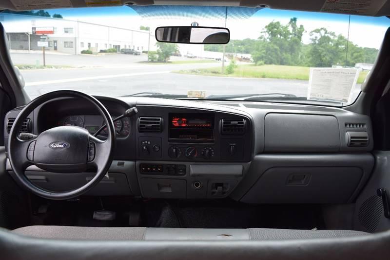2006 Ford F-350 Super Duty XL 4dr Crew Cab 4WD LB - Fredericksburg VA
