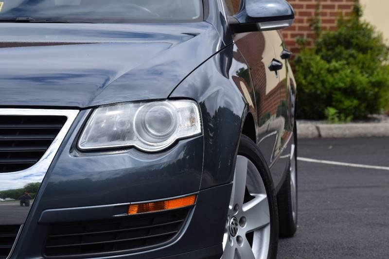 2009 Volkswagen Passat Komfort 4dr Wagon w/ Rear Side Airbags - Fredericksburg VA