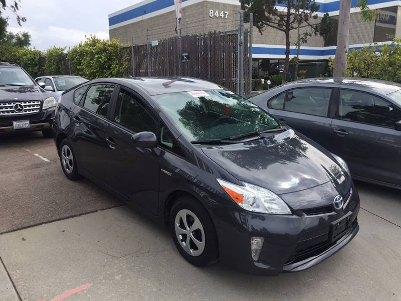 2014 Toyota Prius Two 4dr Hatchback - San Diego CA